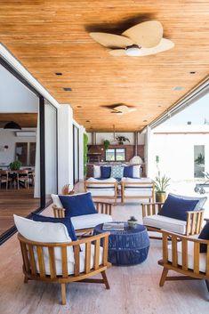 Small Balcony Decor, Balcony Design, Balcony Ideas, Porch Ideas, Modern Balcony, Balcony Garden, Rustic Bedroom Furniture, Deck Furniture, Furniture Ideas