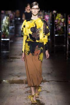 Dries Van Noten Spring/Summer 2017 Ready-To-Wear Collection | British Vogue