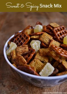 Sweet and Spicy Snack Mix | Hello Little Home #appetizer #CollectiveBias #LoveMyCereal #QuakerUp #spon