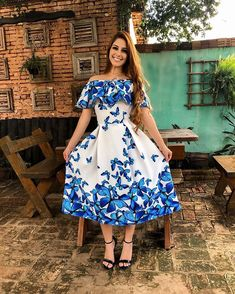 Conservative Outfits, Bella Beauty, Star Background, Trend Fashion, Blue And White Dress, Dress Up, Dress Flower, Western Dresses, Floral Prints