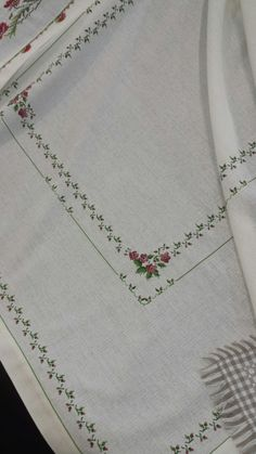 Trilho de mesa Stitch 2, Cross Stitch, Hand Embroidery, Sewing, Craft, Needlepoint, Table Toppers, Hardanger, Lounges