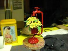 Кукольная миниатюра для сада «Ведро с цветами». Автор Kris Compas