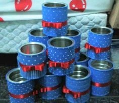 Enfeite de mesa Galinha Pintadinha feito com lata 1st Birthdays, 1st Birthday Parties, 3rd Birthday, Jar Crafts, Diy And Crafts, Formula Can Crafts, Diy Piñata, Decoupage Jars, Formula Cans