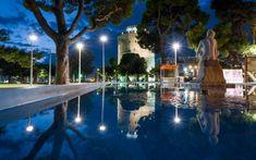 Θεσσαλονίκη, όλη η πόλη σε αντανακλάσεις, από τον Λευτέρη Τσότσο Thessaloniki, Marina Bay Sands, Night Out, Greece, City, Building, Travel, Greece Country, Viajes