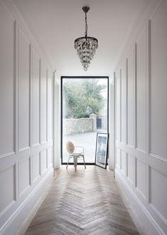 Dazzling Hallway Lighting Ideas that'll Impress You - Momo Zain Flur Beleu. Dazzling Hallway Lighting Ideas that'll Impress You – Momo Zain Flur Beleuchtungsideen mode Wainscoting Kitchen, Dining Room Wainscoting, Wainscoting Ideas, Faux Wainscoting, Wainscoting Height, Paneling Ideas, Wainscoting Nursery, Flur Design, Design Design