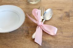 simple & beautiful place setting for a wedding - shower - little girl's birthday party