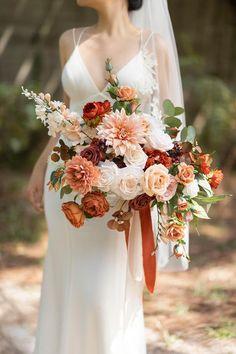 Burnt Orange Weddings, Orange Wedding Flowers, Bridal Flowers, Floral Wedding, Wildflower Bridal Bouquets, Vintage Wedding Flowers, Sunset Wedding, November Wedding Flowers, Diy Wedding