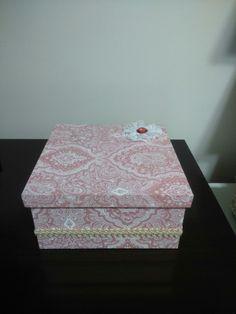 Caixa arabesco rosa