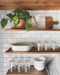 Exposed shelves, kitchen IG: gemary