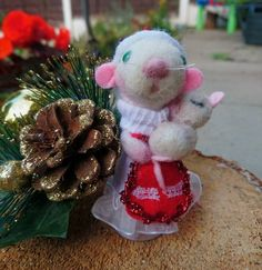 Items similar to Mum and baby mouse Needle felted animal mouse Christmas mouse Mother and baby mouse Needle felt mouse mum with baby mouse felt mouse on Etsy Needle Felted Animals, Felt Animals, Needle Felting, Felt Mouse, Baby Mouse, Christmas Hat, Christmas Ornaments, Pet Mice, Christmas Decorations