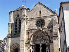 Île-de-France > Essonne > Longpont-sur-Orge > Basilique Notre-Dame-de-Bonne-Garde