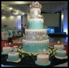 Ideas For Wedding Winter Wonderland Cake Sweet Fifteen, Sweet 15, Winter Torte, Winter Thema, Winter Wonderland Cake, Winter Party Themes, Quinceanera Themes, Prom Themes, Themed Wedding Cakes