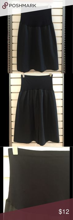 🔴 A Pea in the Pod Maternity skirt Dark gray maternity skirt. Fabric is a poly, viscose, spandex blend.  Skirt is fully lined with a comfy belly band. Gently Pre-loved in great condition. No rips or stains. Perfect for business attire. A Pea in the Pod Skirts Midi