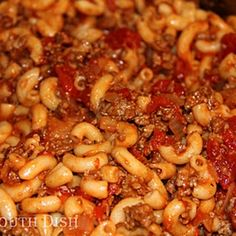 Deep South Dish: Basic Ground Beef American Goulash - a quick and easy ground beef, macaroni and tomato skillet meal. Stir in cup of cubed Velveeta for a cheesy version. Goulash Recipes, Meat Recipes, Cooking Recipes, Beef Goulash, Fodmap Recipes, Beef Dishes, Pasta Dishes, Food Dishes, Al Dente