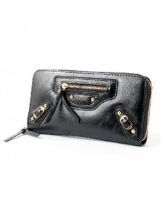 This #fashionableclutch contains PU Material and zipper opening In this #womenswallets colors are available #brown #black #red and size of this #girlswallet is 19cm upper-width, 19cm Lower-width, 10-11cm Bag height, 3cm Bottom-width