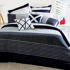 Whether you are a fan of the team or a fan of the colours our St Kilda Quilt Cover by Habitat is sure to be a winner - #PillowTalkHome