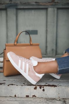 How I Style my Adidas Gazelle Sneakers Adidas Gazelle Sneakers! The post How I Style my Adidas Gazelle Sneakers appeared first on Beauty Shares. Gazele Adidas, Adidas Sneakers, Shoes Sneakers, Pink Adidas Shoes, Sneakers Style, Addias Shoes, Casual Sneakers, Adidas Shoes Women, Shoes Style