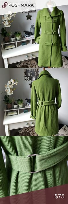 BEDO earthy Kelly Green Med Petitie trench coat Adjustable belt on back,and on end of cuffs,beautifully  lined bedo Jackets & Coats Trench Coats