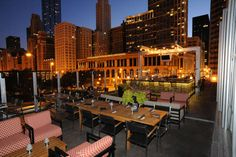 Chicago's Best Outdoor, Rooftop & Lakeside Bars With a View - Thrillist Rooftop Chicago, Chicago Restaurants, Chicago Travel, Chicago Trip, Visit Chicago, Chicago City, Riverside Plaza, Chicago Location, Lounge Club