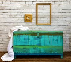 A linen chest receives a gorgeous finish with Chalk Paint® decorative paint by Annie Sloan | By Painter In Residence, Beau Ford of Drip Designs Furniture | Via The Palette blog