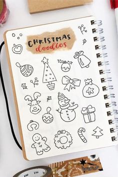 Best Bullet Journal Christmas Doodle Ideas For 2020 - Crazy Laura Bullet Journal Titles, December Bullet Journal, Bullet Journal Lettering Ideas, Bullet Journal Inspiration, Bullet Journal Christmas, Christmas Tree Drawing, Bujo Doodles, Illustration Noel, Christmas Doodles