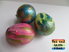 Pink and Green Mama: Poured Paint Easter Eggs!