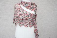 Dreieckstücher - Drachenschwanz weiß grün rot Schal Tuch Mode  - ein Designerstück von trixies-zauberhafte-Welten bei DaWanda