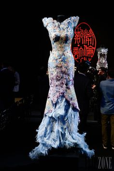 Laurence Xu - Couture - Fall-WInter 2013-2014 - http://www.flip-zone.net/fashion/couture-1/independant-designers/laurence-xu-4029 - ©PixelFormula