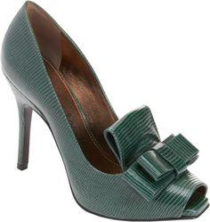 https://cdnd.lystit.com/photos/2013/09/25/lanvin-green-peep-toe-bow-loafer-pump-product-1-13694984-880929764.jpeg