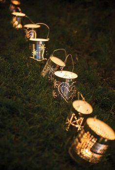 Awkward: 8 wonderful DIY deco ideas for your barbecue party! - Awkward: 8 wonderful DIY deco ideas for your barbecue party! Tin Can Crafts, Diy And Crafts, Soup Can Crafts, Rock Crafts, Handmade Crafts, Handmade Rugs, Tin Can Lanterns, Ideas Lanterns, Candle Lanterns
