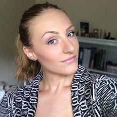 Fresh faced. #makeupbyellen #mua #fresh #freshfaced #pinklips #brows #browgame Instagram: @makeupbyellen  Www.makeupbyellen.com.au