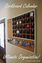 Corcho con calendario.  Corkboard Calendar