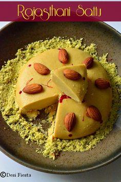 Rajasthani sattu Indian Dessert Recipes, Indian Sweets, Indian Snacks, Indian Recipes, Indian Foods, Indian Dishes, Rajasthani Food, Rajasthani Recipes, Street Food