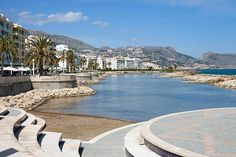 From street markets, the Old Town and fine Sandy Beaches, discover the top things to see and do in Altea. Altea, Moraira, Great Buildings And Structures, Spain Holidays, Alicante Spain, Sandy Beaches, Old Town, Valencia, Portugal