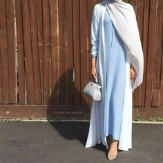 blue and white abaya- How to style your Abaya cardigan for Ramadan http://www.justtrendygirls.com/how-to-style-your-abaya-cardigan-for-ramadan/
