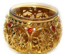 八吉祥銅製鑲寶石供杯