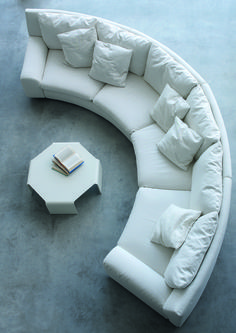 Elegant Curved Sofa Design and Pictures 2 - Awesome Indoor & Outdoor Living Room Sofa Design, Living Room Interior, Home Interior Design, Couch Design, Gebogenes Sofa, Curved Couch, Plush Couch, Futuristisches Design, Design Trends