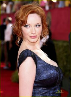 Christina Hendricks Photos - Actress Christina Hendricks arrives at the Primetime Emmy Awards held at the Nokia Theatre on September 2009 in Los Angeles, California. Christina Hendricks, Beautiful Christina, Portraits, American Women, American Actress, Redheads, Red Hair, Sexy Women, Beautiful Women