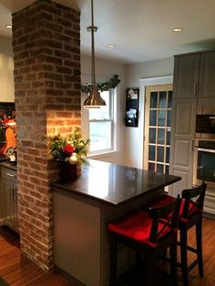Before & After: A Novice DIY-er Tackles a Family Kitchen — Reader Kitchen Remodel Kitchen Cabinet Remodel, Diy Kitchen Remodel, Kitchen Cupboards, Kitchen Countertops, Green Countertops, Laminate Countertops, Family Kitchen, New Kitchen, Kitchen Decor