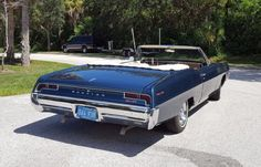 Bid for the chance to own a 1967 Pontiac Catalina Convertible 428 at auction with Bring a Trailer, the home of the best vintage and classic cars online. Classic Car Magazine, Pontiac Star Chief, Pontiac Tempest, Mid Size Car, Pontiac Catalina, Pontiac Cars, Gm Car, Pontiac Bonneville, American Classic Cars
