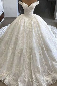 Dream Wedding Dresses Ball Gown Wedding Dress Easter Outfits Flattering Mother Of The Bride Dresses Wedding Reception Dresses For Guests Simple Lace Dress Wedding Wear Lehenga Dubai Wedding Dress, Puffy Wedding Dresses, Wedding Evening Gown, Gorgeous Wedding Dress, Wedding Dress Sleeves, Dream Wedding Dresses, Wedding Gowns, Prom Dresses, Bridesmaid Dresses