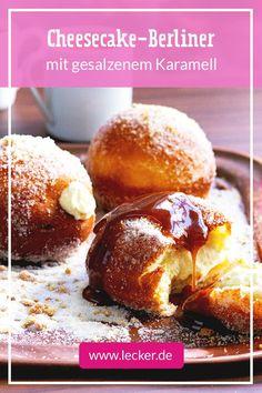 Berliner mit einer Käsekuchen Füllung und einem Topping aus gesalzenem Karamell - klingt gut? IST gut! Wer sagt, dass Desserts nur süß schmecken müssen? Gourmets kombinieren da lieber süße Leckereien mit dezenten Salznoten! #rezepte #süß #salzig #süßsalzig #süßundsalzig #backen #desserts #brunch #gebäck #karamell #berliner #karneval #fasching #käsekuchen #cheesecake #pfannkuchen German Chocolate, Diet Tips, Nutella, Bakery, Cheesecake, Caramels, Chocolates, Breakfast, Desserts