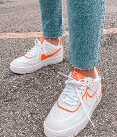 See more of stunning-vibes's content on VSCO. Cute Sneakers, Best Sneakers, Sneakers Fashion, Fashion Shoes, Sneakers Nike, Girls Sneakers, Vogue Fashion, 70s Fashion, Fashion Tips