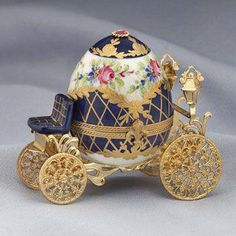 Limoges faberge style egg carriage with crown inside. It isn't a hummel or music box, but it is beautiful Fabrege Eggs, Objets Antiques, Faberge Jewelry, Princess Carriage, Egg Designs, Egg Crafts, Egg Art, Egg Shape, Tiny Treasures