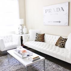 Tuffed couch, stylish home decor, living room white, home Tuffed Couch, Living Room Sofa, Living Room Decor, Living Rooms, White Couches, Palette, Stylish Home Decor, Dream Decor, Decoration