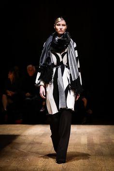 Josie Natori Fall 2015 Ready-to-Wear