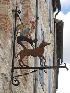 Sign in Lauzerte, Tarn-et-Garonne, France
