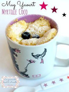 Mug yaourt myrtille coco au micro-ondes