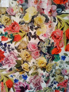 Floral print #officetrends #inspiration #patterns