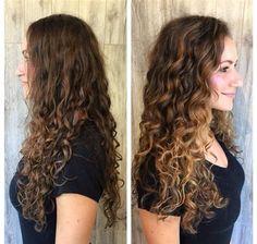 Resultado de imagen de curly balayage